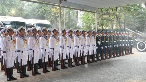 Xúc động tiễn đưa Chủ tịch nước Trần Đại Quang về nơi an nghỉ cuối cùng ảnh 52