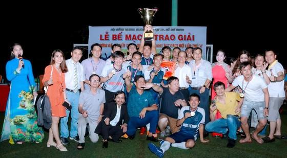 Inox Quốc tế Tứ Minh bảo vệ thành công chức vô địch