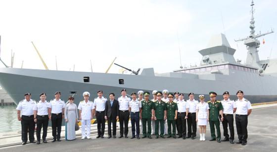 Tàu khu trục của Hải quân Singapore thăm Đà Nẵng ảnh 3