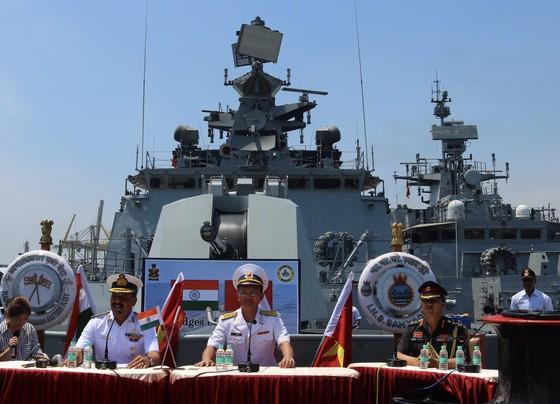Hạm đội miền Đông Ấn Độ sẽ diễn tập hàng hải chung với Hải quân Việt Nam ảnh 10