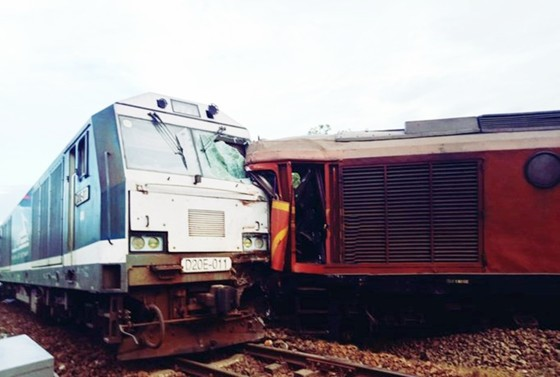 Vụ tai nạn đường sắt tại Núi Thành, Quảng Nam: Cách chức trưởng ga, sa thải trưởng dồn và lái máy  ảnh 1