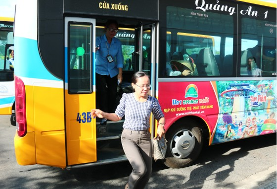 Đà Nẵng, khuyến khích người dân đi xe buýt ảnh 4