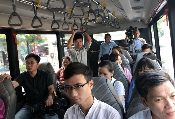 Đà Nẵng, khuyến khích người dân đi xe buýt ảnh 2