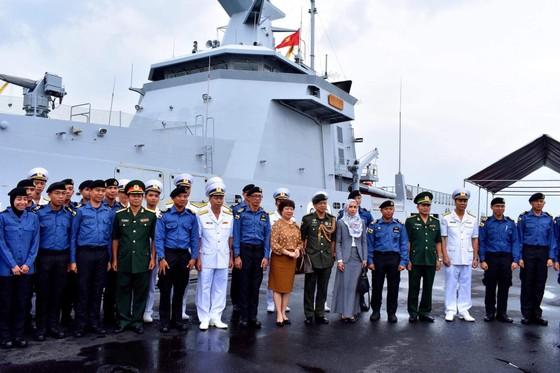 Tàu hải quân Brunei thăm Đà Nẵng ảnh 3