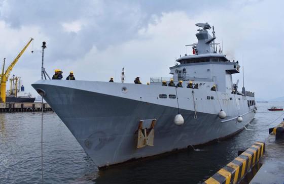 Tàu hải quân Brunei thăm Đà Nẵng ảnh 1