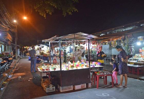 Vắng vẻ chợ đêm du lịch ảnh 2