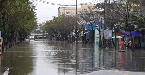 Quảng Nam chìm trong biển nước ảnh 3