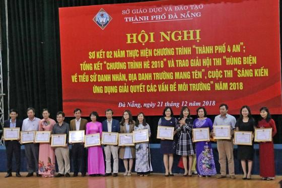 Sở Giáo dục và Đào tạo Đà Nẵng khen thưởng 73 cá nhân và 86 tập thể ảnh 2
