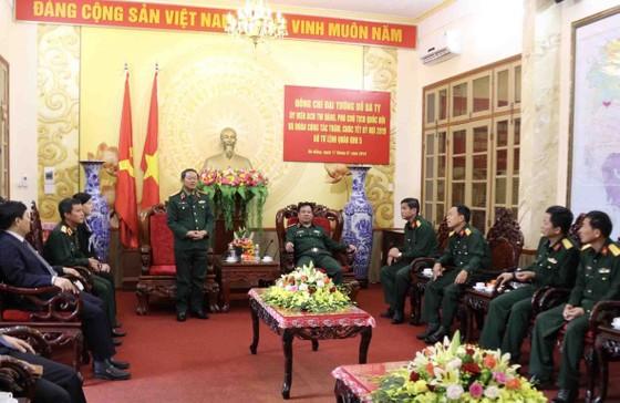 Đại tướng Đỗ Bá Tỵ, Phó Chủ tịch Quốc hội thăm Bộ Tư lệnh Quân Khu 5 ảnh 1