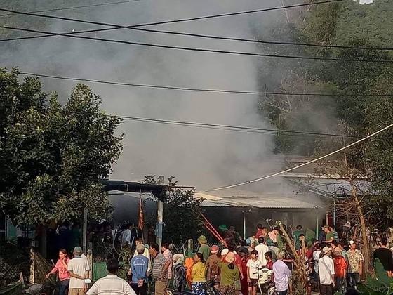 cháy quầy tạp hóa ở Cù Lao Chàm, bé gái 3 tuổi tử vong ảnh 1