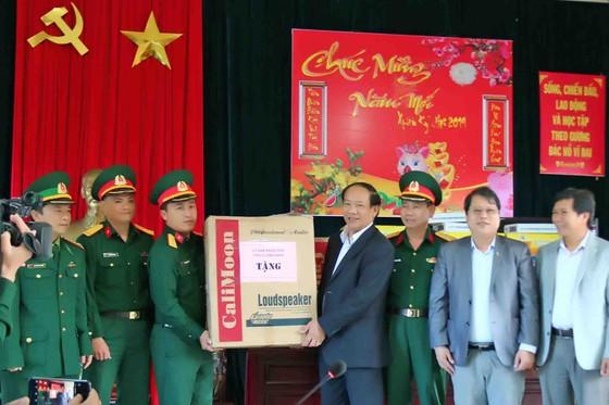 Lãnh đạo tỉnh Quảng Nam thăm chúc tết xã đảo Cù Lao Chàm ảnh 2