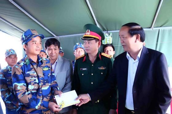 Lãnh đạo tỉnh Quảng Nam thăm chúc tết xã đảo Cù Lao Chàm ảnh 6
