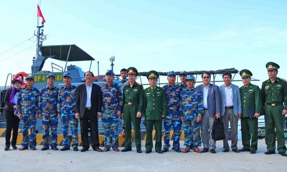 Lãnh đạo tỉnh Quảng Nam thăm chúc tết xã đảo Cù Lao Chàm ảnh 8