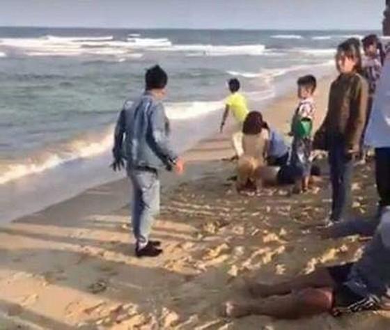 Quảng Nam: Tắm biển, 6 em HS bị chết và mất tích ảnh 1