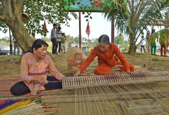 Sôi động giỗ Tổ nghề mộc Kim Bồng ảnh 9