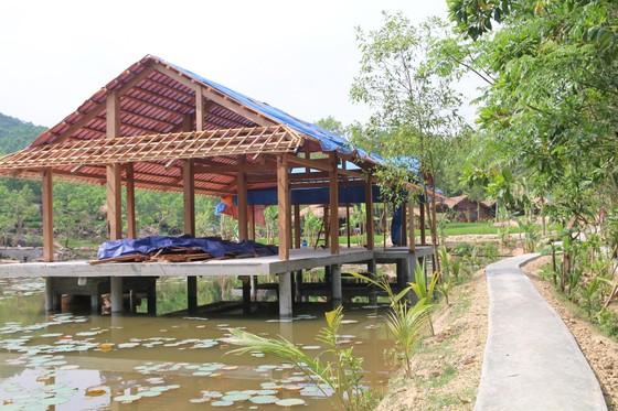Lùi thời gian tháo dỡ khu nghỉ dưỡng xây không phép trên rừng phòng hộ ở Quảng Nam ảnh 2