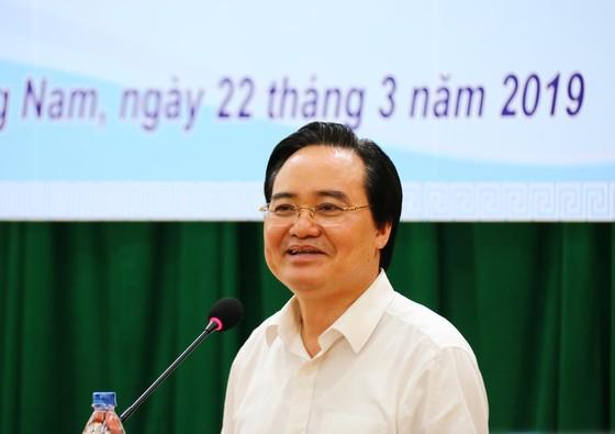 Bộ trưởng Bộ GD-ĐT làm việc với ngành GD-ĐT Quảng Nam ảnh 1