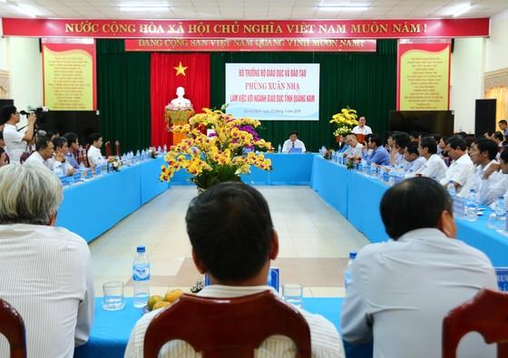 Bộ trưởng Bộ GD-ĐT làm việc với ngành GD-ĐT Quảng Nam ảnh 3