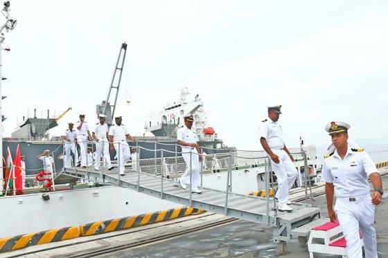 Tàu lực lượng bảo vệ bờ biển Ấn Độ cập cảng Tiên Sa ảnh 3