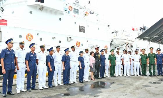 Tàu lực lượng bảo vệ bờ biển Ấn Độ cập cảng Tiên Sa ảnh 4