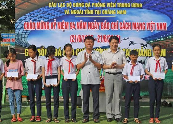 Sôi nổi giải bóng đá báo chí thường trú tại Quảng Nam lần thứ II  ảnh 2