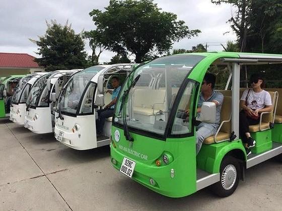 Hội An thí điểm sử dụng xe buýt điện phục vụ khách du lịch ảnh 1