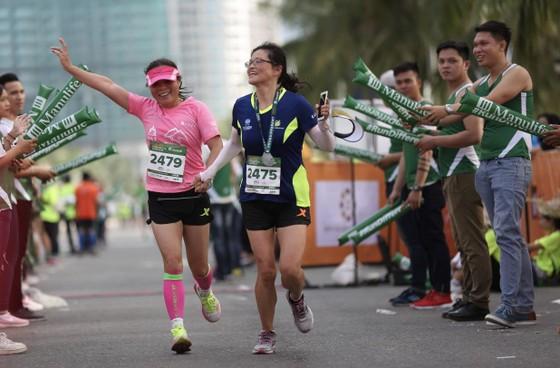 Hơn 9.000 vận động viên tham dự cuộc thi Manulife Danang International Marathon 2019 ảnh 1