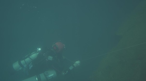 Nghẹt thở quang cảnh lặn sông ngầm bên dưới Sơn Đoòng ảnh 7
