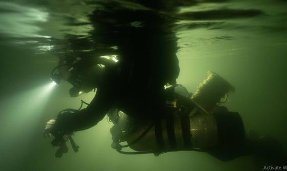 Nghẹt thở quang cảnh lặn sông ngầm bên dưới Sơn Đoòng ảnh 6