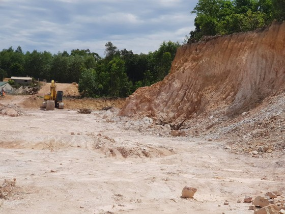 Quảng Bình: Dự án hơn 41 tỷ đồng dùng đất lậu nhằm tránh nộp thuế? ảnh 2