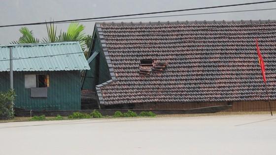 Mưa lớn, lũ dâng ngập Tân Hóa vượt mốc năm 2016 ảnh 8