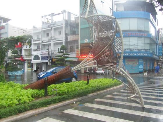 Vũng Tàu - Bến Tre mưa lớn, gió giật mạnh, Khánh Hòa - Ninh Thuận ngập lụt, đường sắt tê liệt  ảnh 4