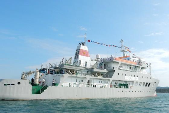 Quân chủng Hải quân tưởng niệm cán bộ, chiến sĩ hy sinh trong chiến dịch đổ bộ đường biển Tà Lơn ảnh 3