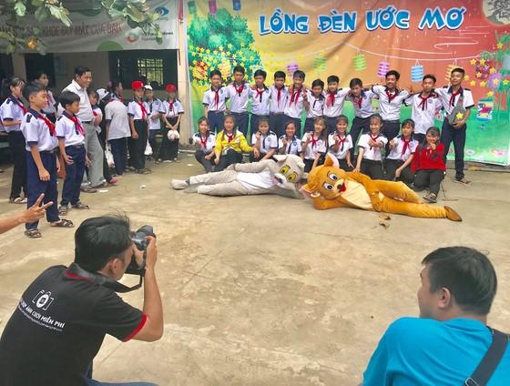 """""""Hành trình Việt Nam đất nước tôi yêu"""" mang trung thu đến với trẻ em  Tiền Giang  ảnh 5"""