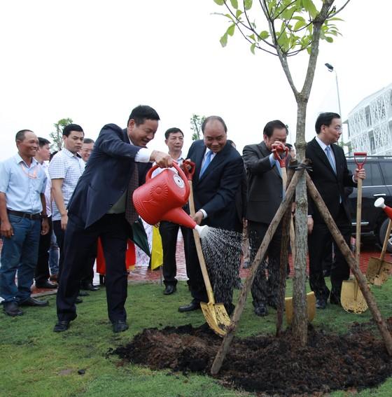 Thủ tướng Nguyễn Xuân Phúc dự khánh thành Tổ hợp Đại học FPT Cần Thơ ảnh 2