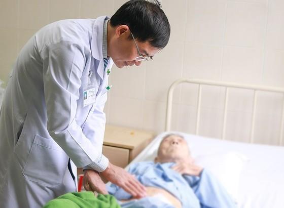 Phẫu thuật cấp cứu thành công cho cụ ông đã 101 tuổi ảnh 1
