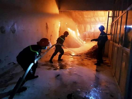 Cần Thơ: Cháy lớn ở Khu công nghiệp Trà Nóc 1 ảnh 3