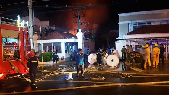 Cần Thơ: Cháy lớn ở Khu công nghiệp Trà Nóc 1 ảnh 9