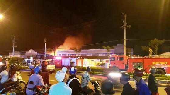 Cần Thơ: Cháy lớn ở Khu công nghiệp Trà Nóc 1 ảnh 1