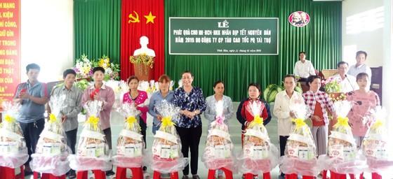 Mặt trận Tổ quốc Việt Nam chăm lo tết cho người nghèo ĐBSCL ảnh 2