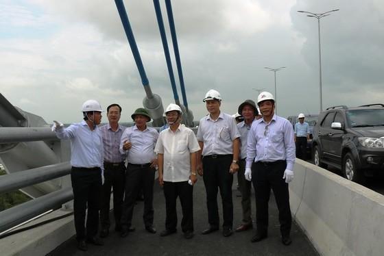 Cầu Vàm Cống dự kiến khánh thành vào ngày 19-5 ảnh 2