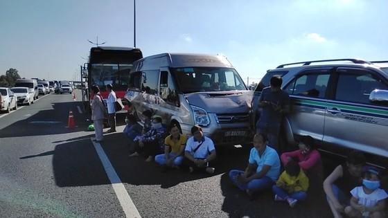 Tiền Giang: 7 xe tông nhau trên cao tốc TPHCM – Trung Lương ảnh 2