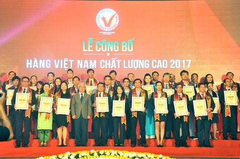 592 DN nhận danh hiệu HVNCLC năm 2017 ảnh 1