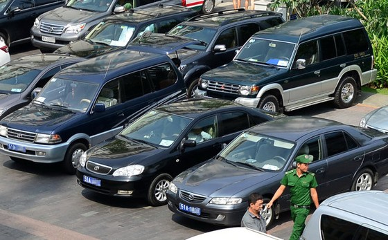 Hiến kế khoán xe công: Theo giá thị trường ảnh 1