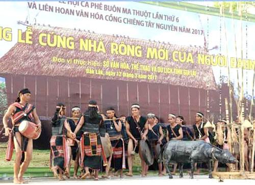 Phục hồi lễ hội cúng nhà rông của người Bahnar ở Gia Lai ảnh 1