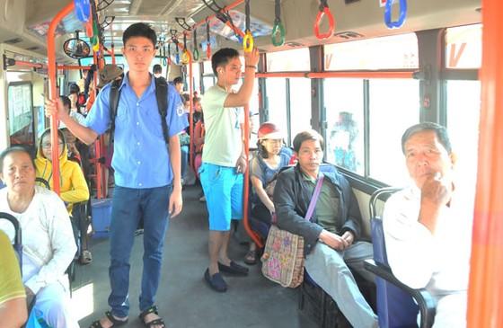 Thí điểm mở làn đường riêng cho xe buýt ảnh 1