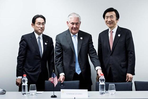 Mỹ khai tử chiến lược 'xoay trục' sang châu Á ảnh 1