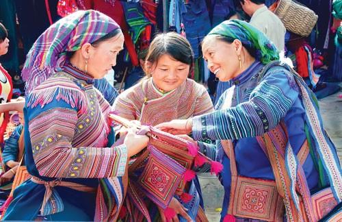 Đặc sắc chợ phiên Lào Cai ảnh 3