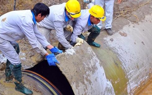 Nước sạch Sông Đà 2: Kiểm tra chất lượng từng ống ảnh 1