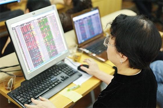 VN-Index tăng 4 điểm phiên giao dịch đầu tuần ảnh 1